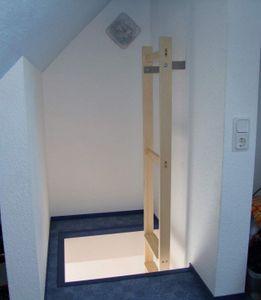 Stufen-Anlegeleiter für senkrechten Einbau, Gesamthöhe 1,40 m – Bild 3