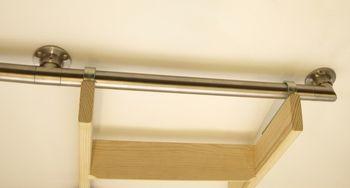 Edelstahlhalter für Einhängevorrichtung an Wandregalen Hochbetten und Bibliotheken. – Bild 2