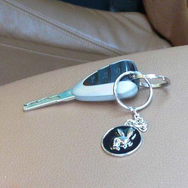 Metall Schlüsselanhänger Totenkopf Hase – Bild 1