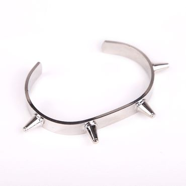 Armband mit Spikes - Silber
